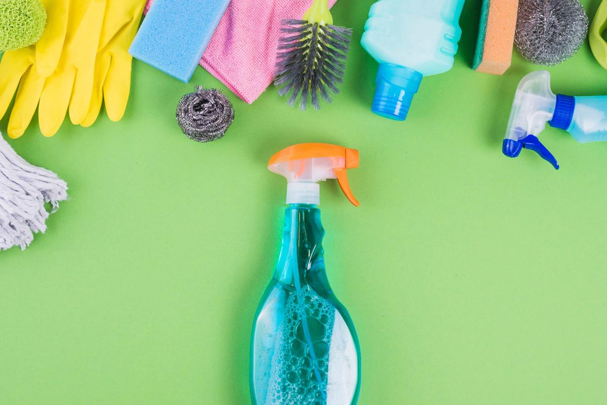 Cinco Suprimentos de Limpeza de que Você Precisa Para Sua Instalação Médi